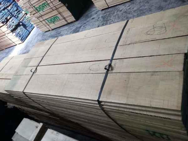北美椴木实木板材