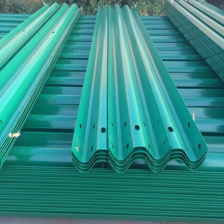 专业生产护栏板