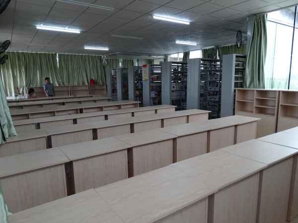 图书馆阅览室