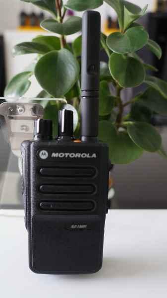 摩托罗拉对讲机XiR E8600 / XiR E8608 便携式模拟/数字双模式