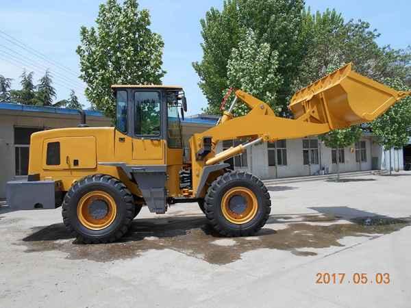 标准三吨装载机铲运土石方工程