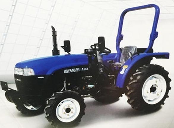 雷沃M504E拖拉机 标配全柴四缸发动机,可选装莱动四缸发动机,可满足不同客户对发动机的需求。变速箱档位标配8+2档,可选装8+8梭式换挡,前进、后退可通过方向盘左下方操作手柄实现快速切换,档位速度匹配多,可根据不同机具、不同土壤比阻选择最 佳的作业速度,使作业更加高效。动力输出转速540/720r/min,满足多种机具对转速的要求;最 高行驶速度可达到40km/h,运输作业也具有较强的优势;可选装单双路液压输出,满足客户个性化需求。可选装8+8同步器梭式换挡,换挡更加轻便、快捷;液压提升采用外置分配器结
