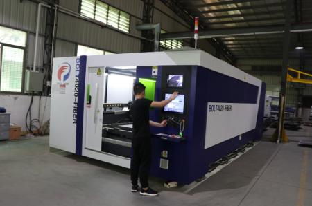 公司引进奔腾光纤激光切割机t4020型,对外加工.