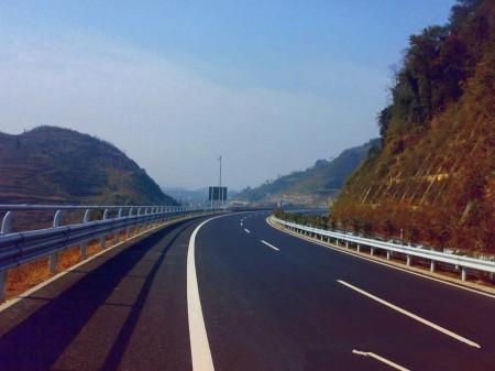 山东高速公路护栏板供应商