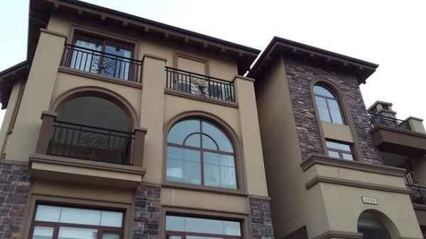 农村别墅外墙窗套装饰线条