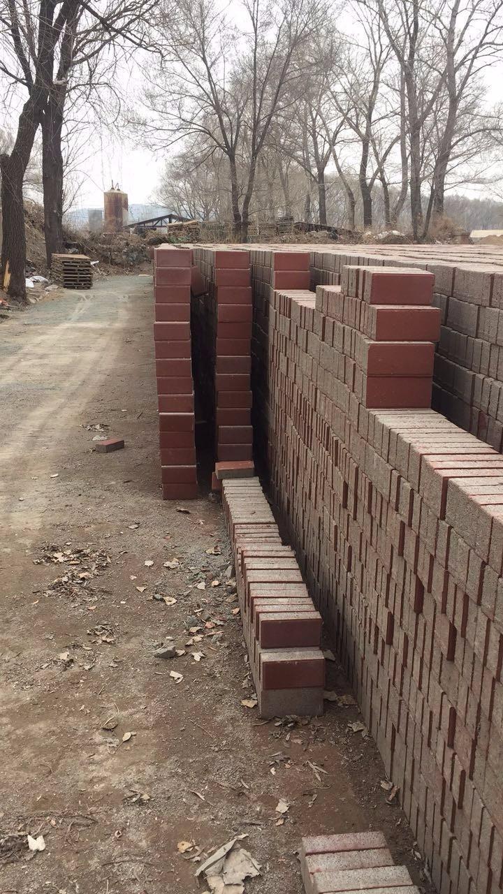 荷兰砖彩砖铺路多少钱