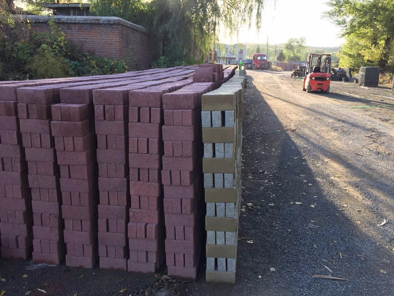 沈阳草坪砖彩砖铺路多少钱