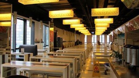 小型美食城,餐饮小吃街,地方美食节等空间合理布局,协调风格,装修设计