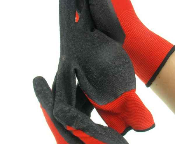 13针红涤纶乳胶手套