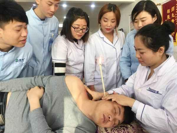 学采耳股静脉图解定位穿刺图片