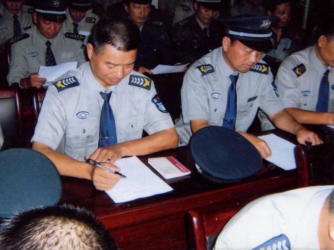 公司是一家专业从事保安,门卫,巡逻以及劳务派 遣的公司,公司拥有一流