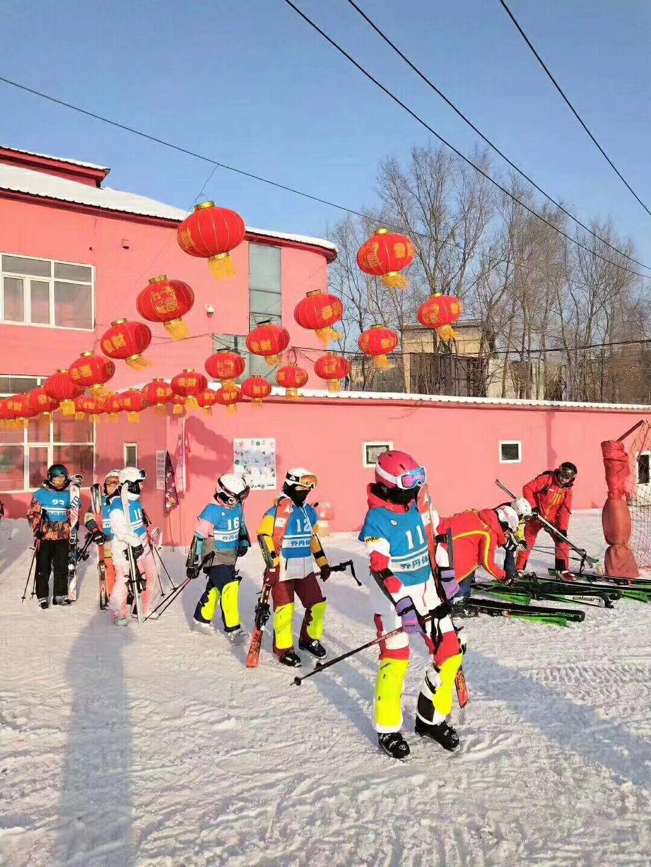 哈尔滨滑雪场雪道哪里好