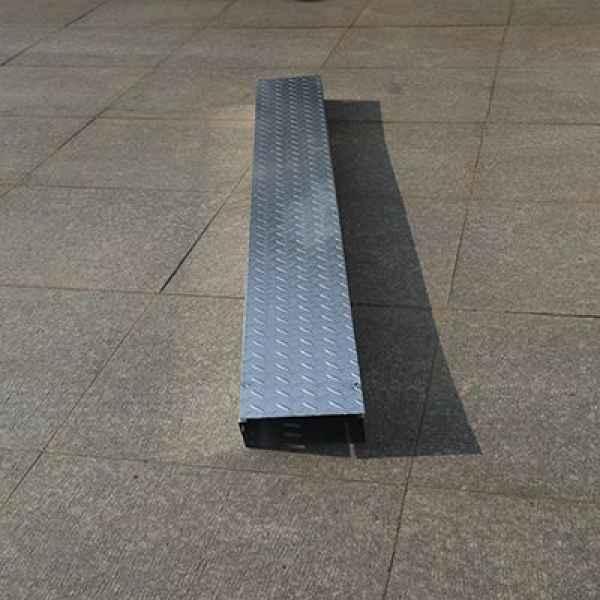 上海槽式电缆桥架生产商