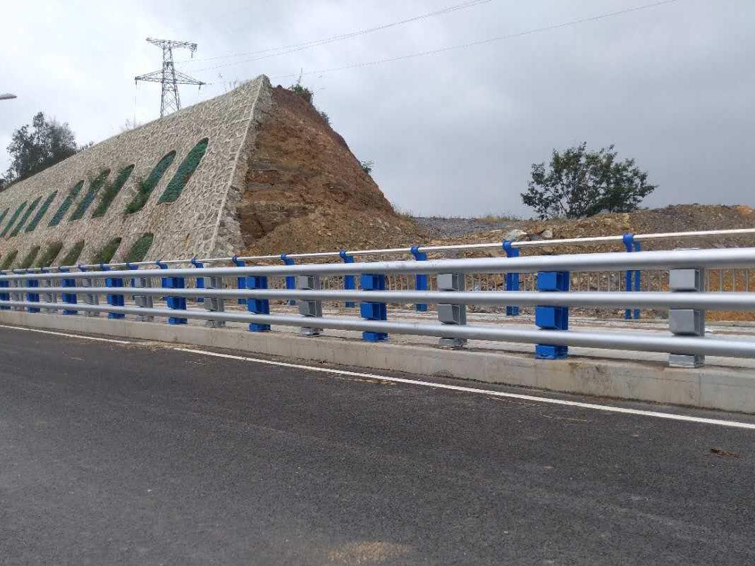 桥梁道路防撞护栏|桥梁道路防撞护栏