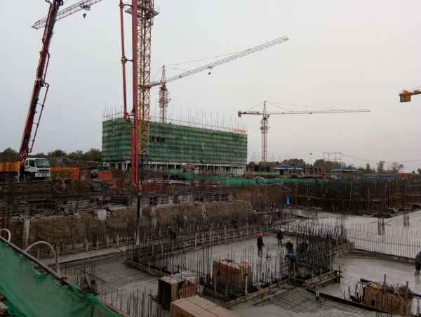 吉林C30混凝土�仓�工程