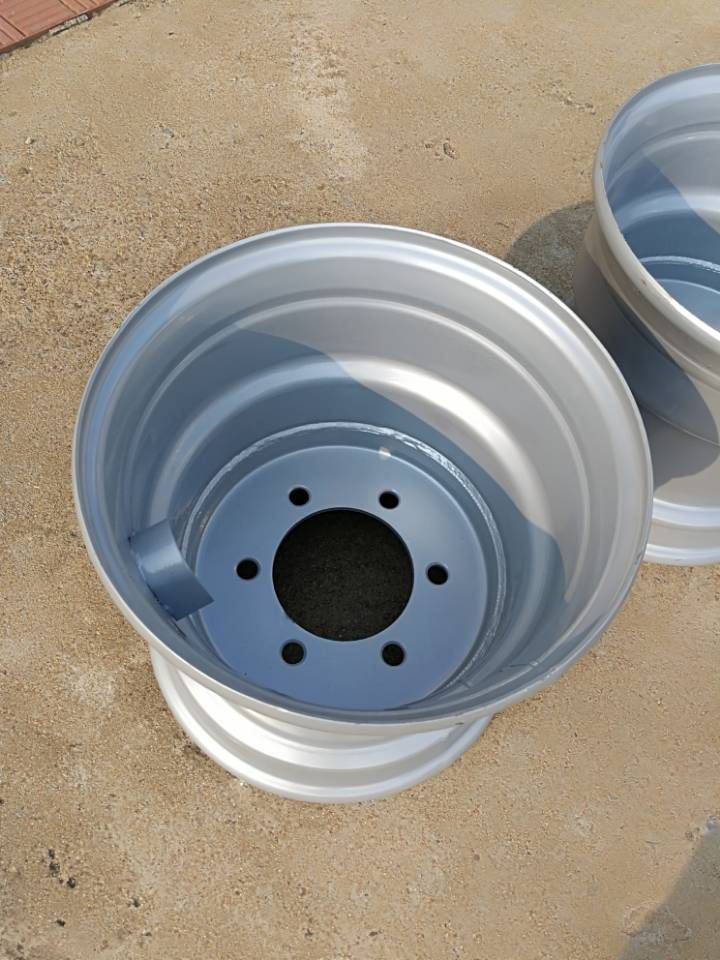 13*15農業裝備車輪生產商