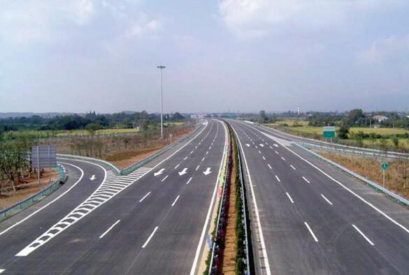 新疆热熔喷涂型道路标线施工方案