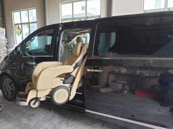 残疾人上车下车座椅供应商