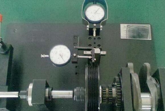 皮带轮沟槽轴向径向跳动检具