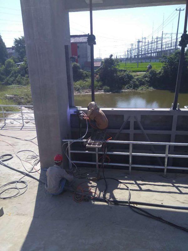 南通水利闸门喷砂喷锌涂装维护公司