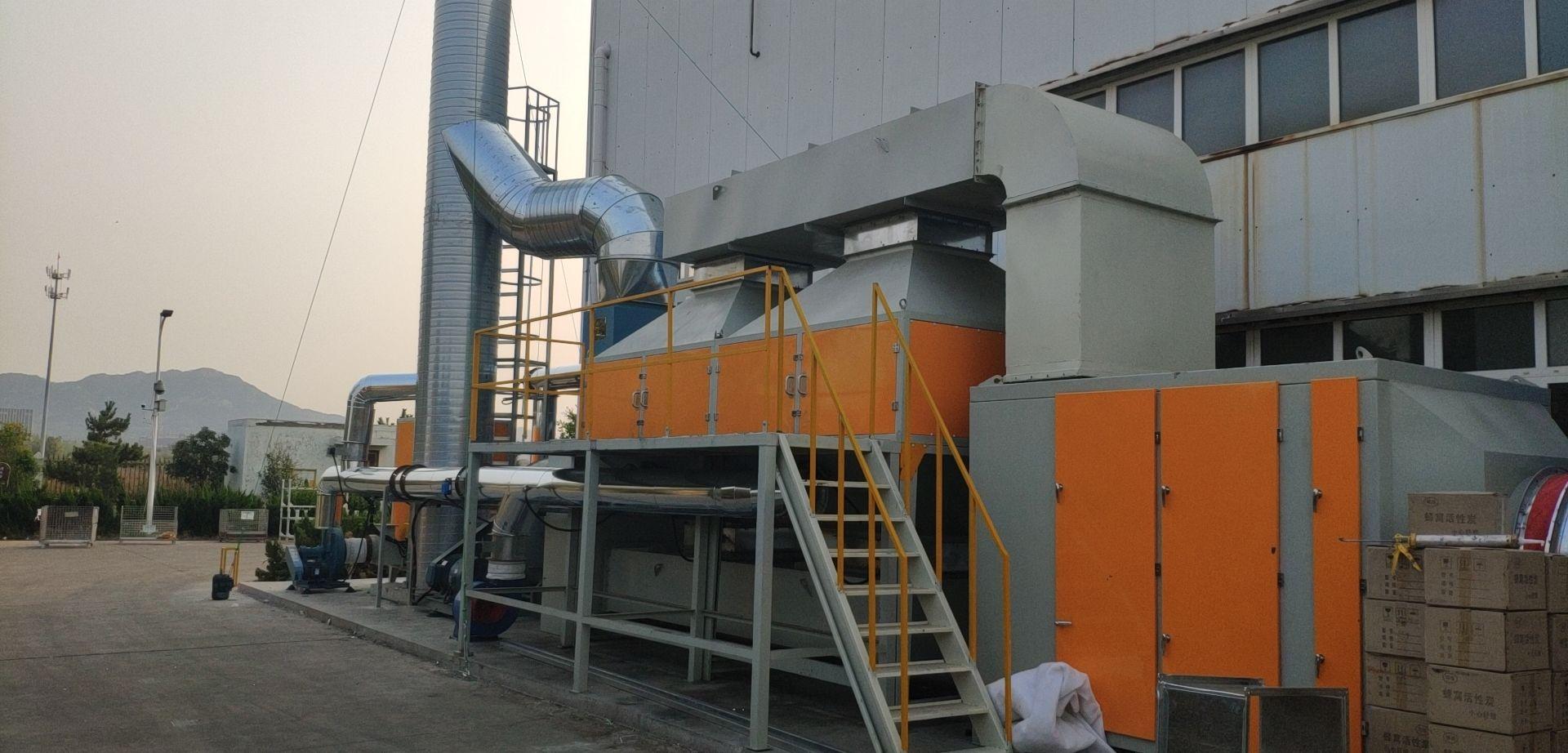 催化燃燒設備除掉廢氣臭味的工作流程