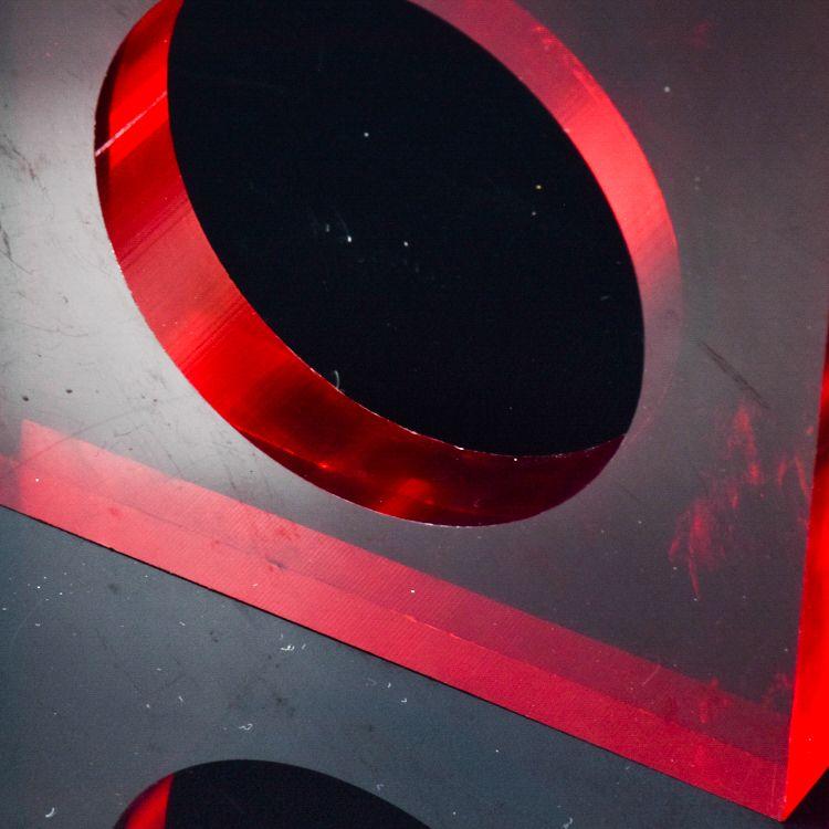 云南红色亚克力有机玻璃隔断材料