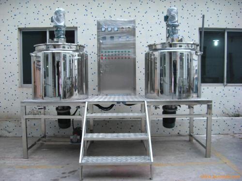 订制全新不锈钢洗衣液搅拌罐304材质 2吨不锈钢固定式真空搅拌罐