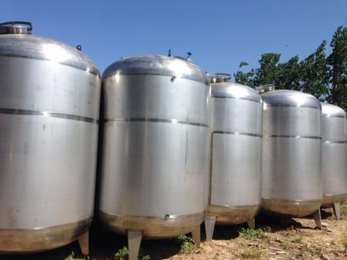 加工订制不锈钢304材质工业食品乳品储罐 保温30吨不锈钢储罐
