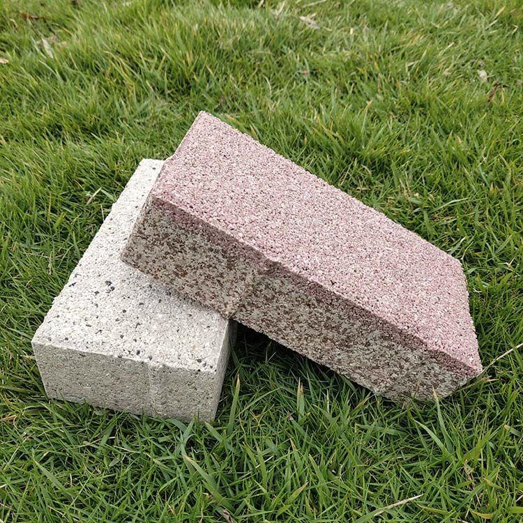 人行道铺设宁彤陶瓷透水砖的优势分享
