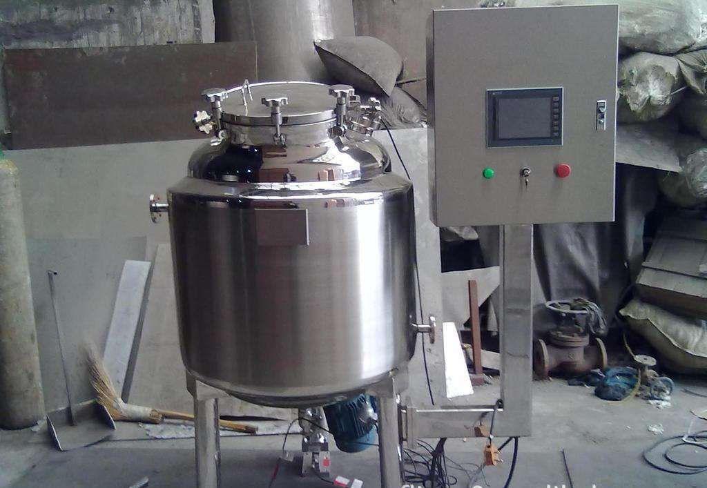 订做各种2吨不锈钢固定式真空搅拌罐 小型洗发水乳化搅拌罐