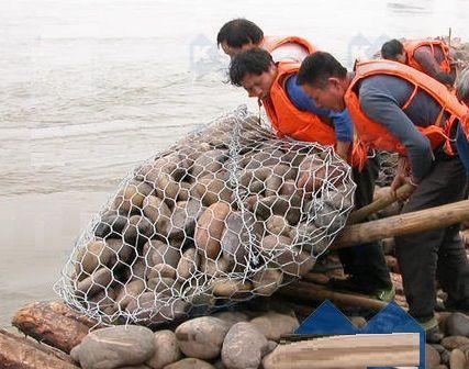 河道治理高爾凡生態格賓網定制邊坡防護鐵絲石籠網現貨六角格賓籠