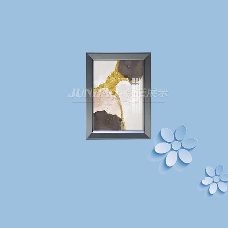 廣告框結構穩固,不易刮花或凹陷