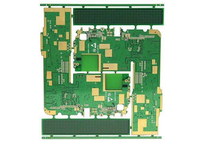 4層高密度沉金PCB電路