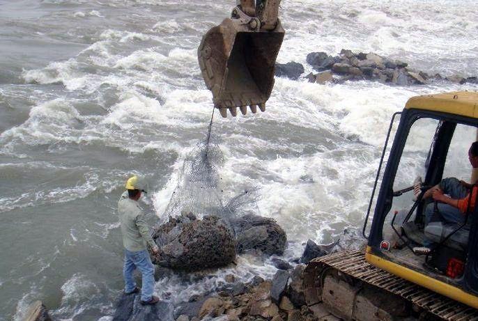 铅丝格宾网笼 边坡喷浆挂石笼网 水库堤坝固滨笼