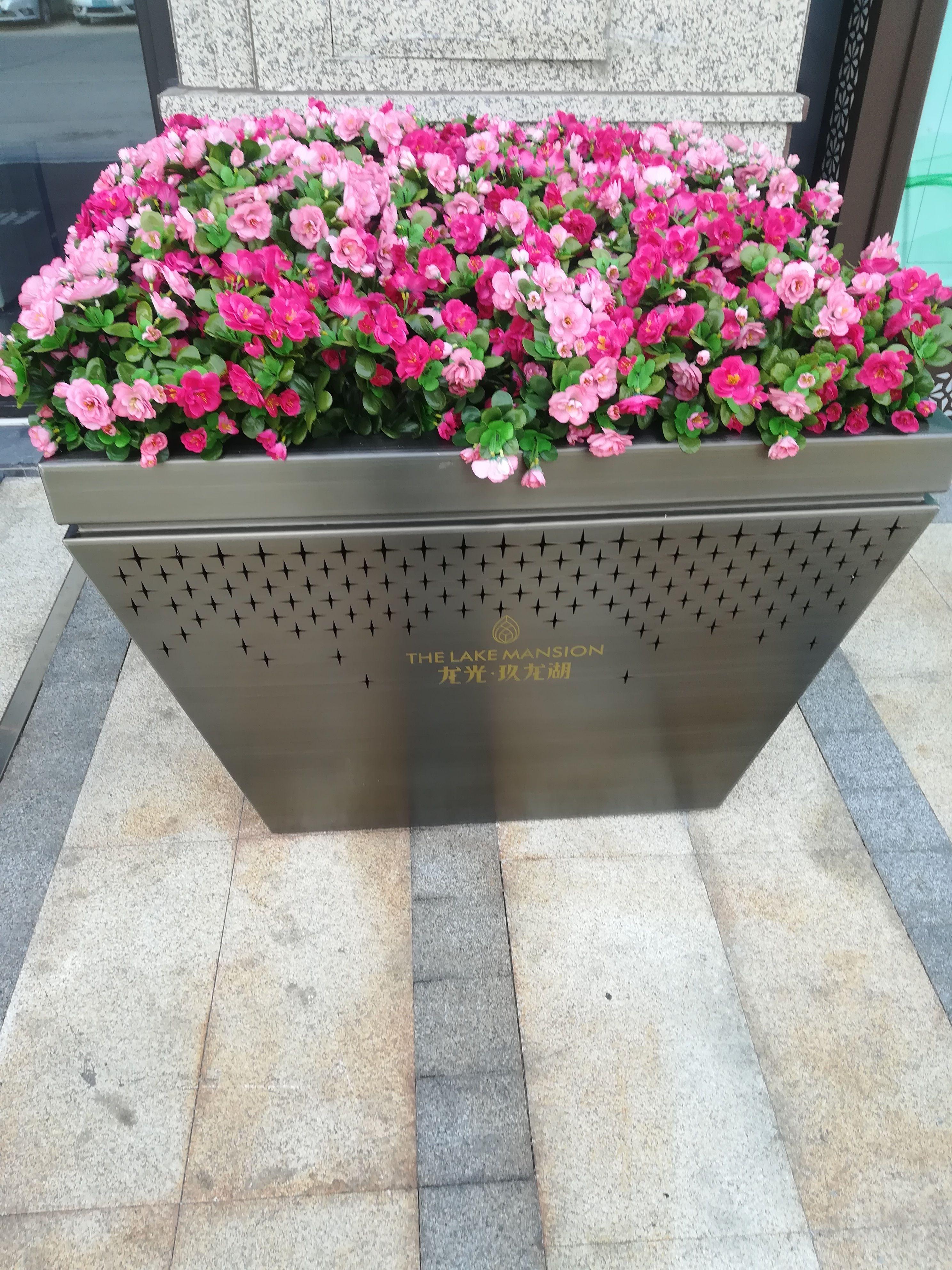 艺术雕刻不锈钢花盆 艺术加工不锈钢花盆 镀铜不锈钢花盆