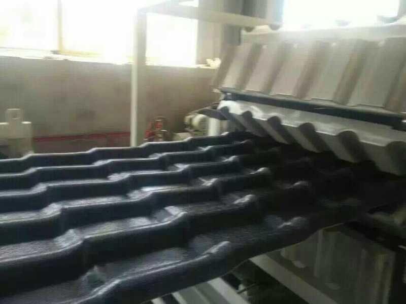 PVC雙層中空波浪瓦設備|塑膠復合琉璃瓦生產線