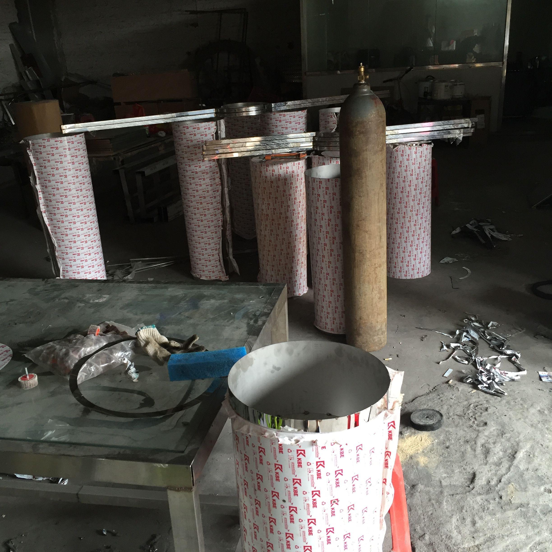 直销玻璃钢花盆户外,不锈钢和树脂组合而成的锥形花盆