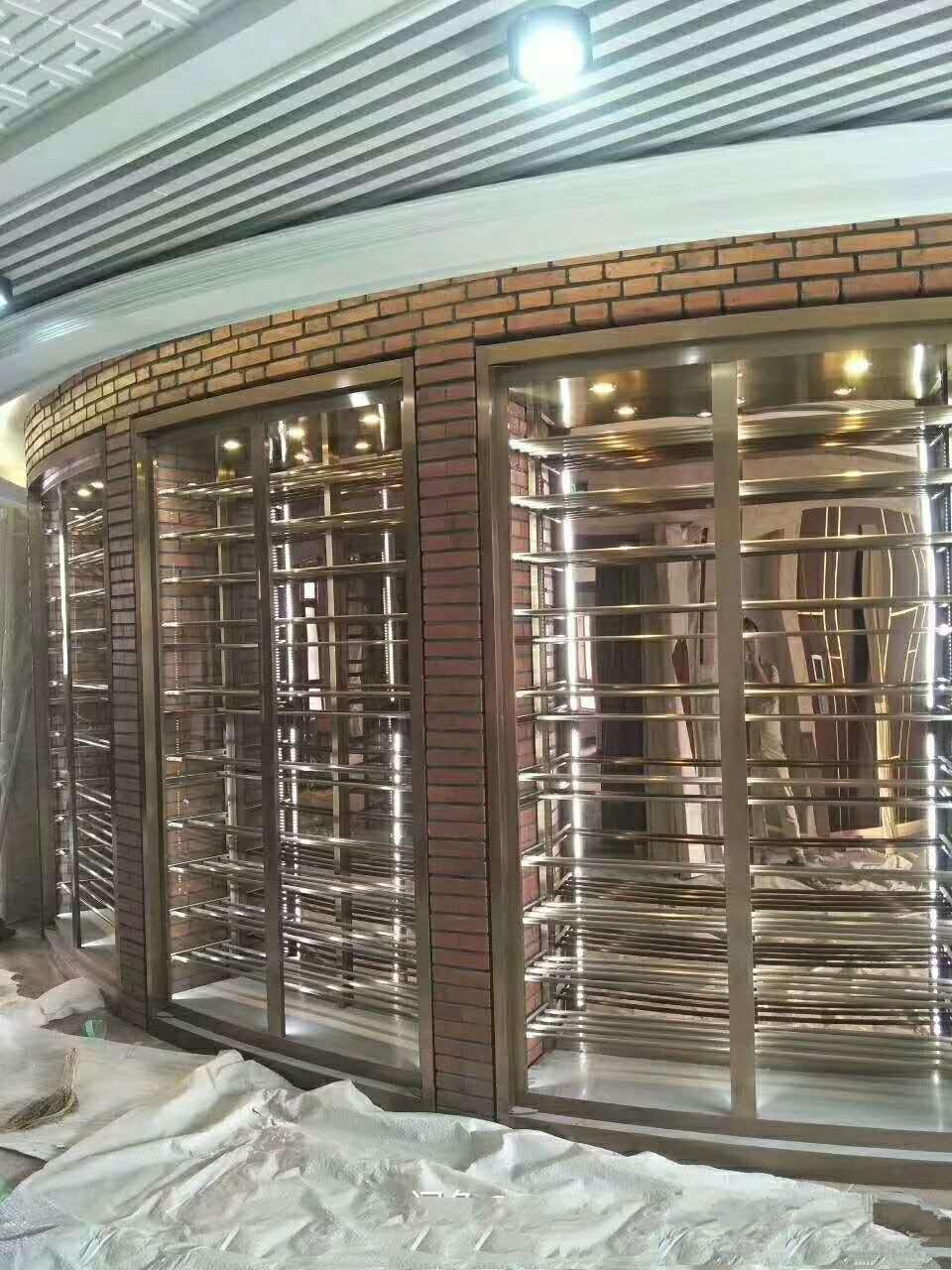不銹鋼酒柜定做廠家供應8K鏡面316不銹鋼葡萄酒柜供應