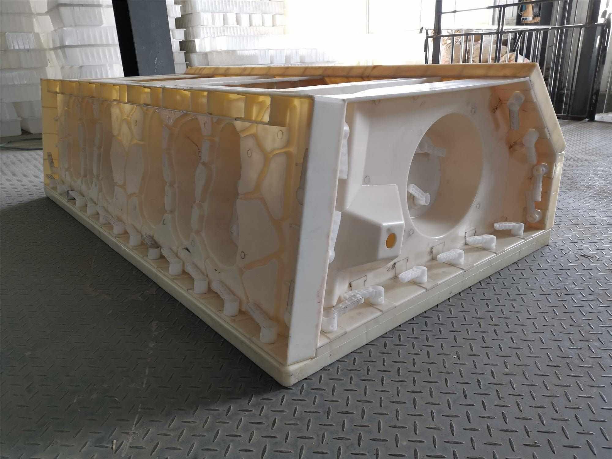 混凝土阶梯护岸模具-水泥阶梯护岸塑料模具精达模具