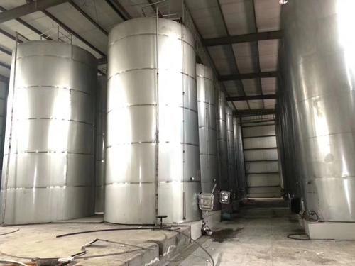 訂制各種立式牛奶飲料儲罐 大型酸堿化工儲罐