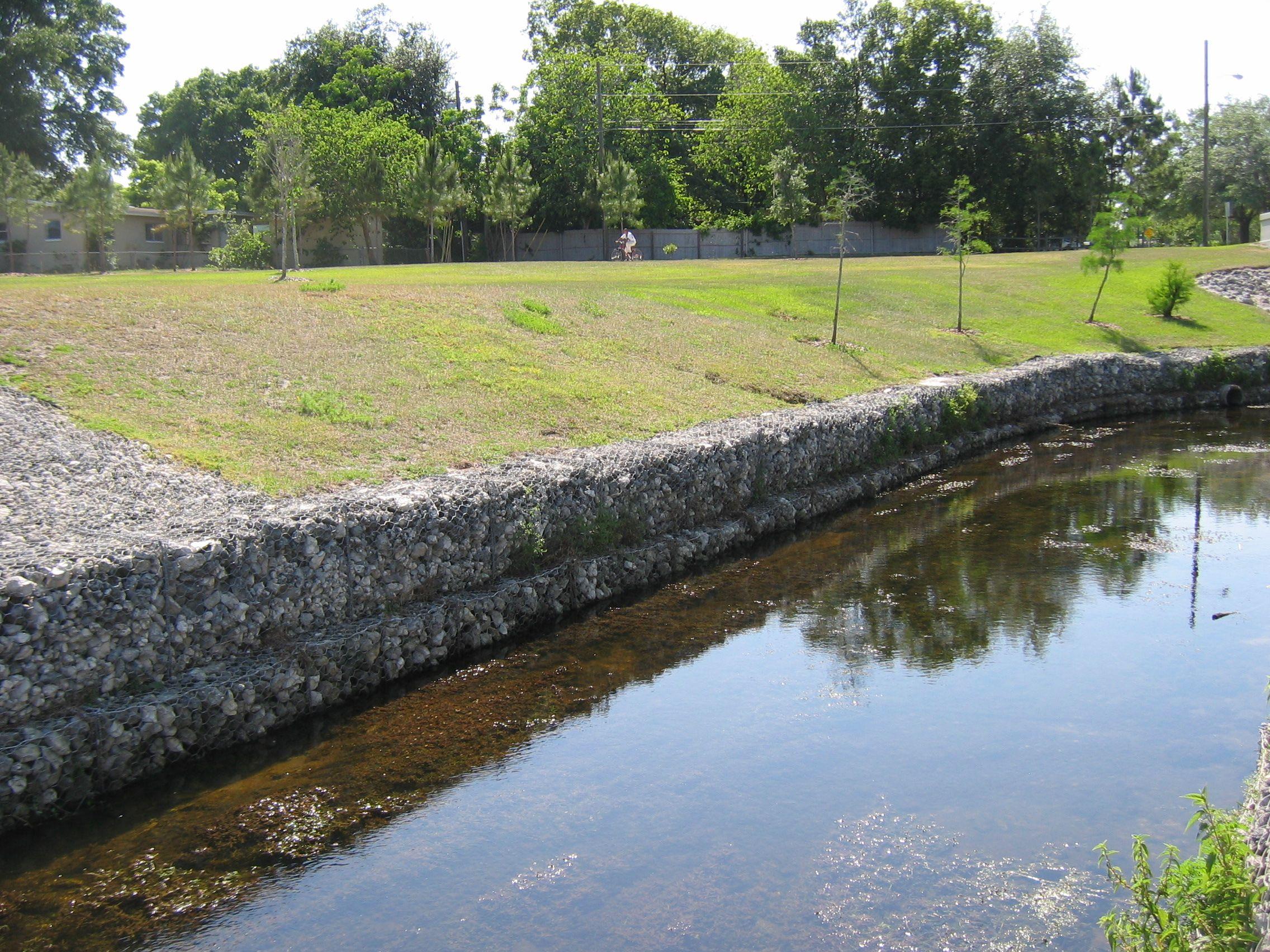 网箱挡墙 水利格宾网防洪镀锌包塑护坡石头笼子