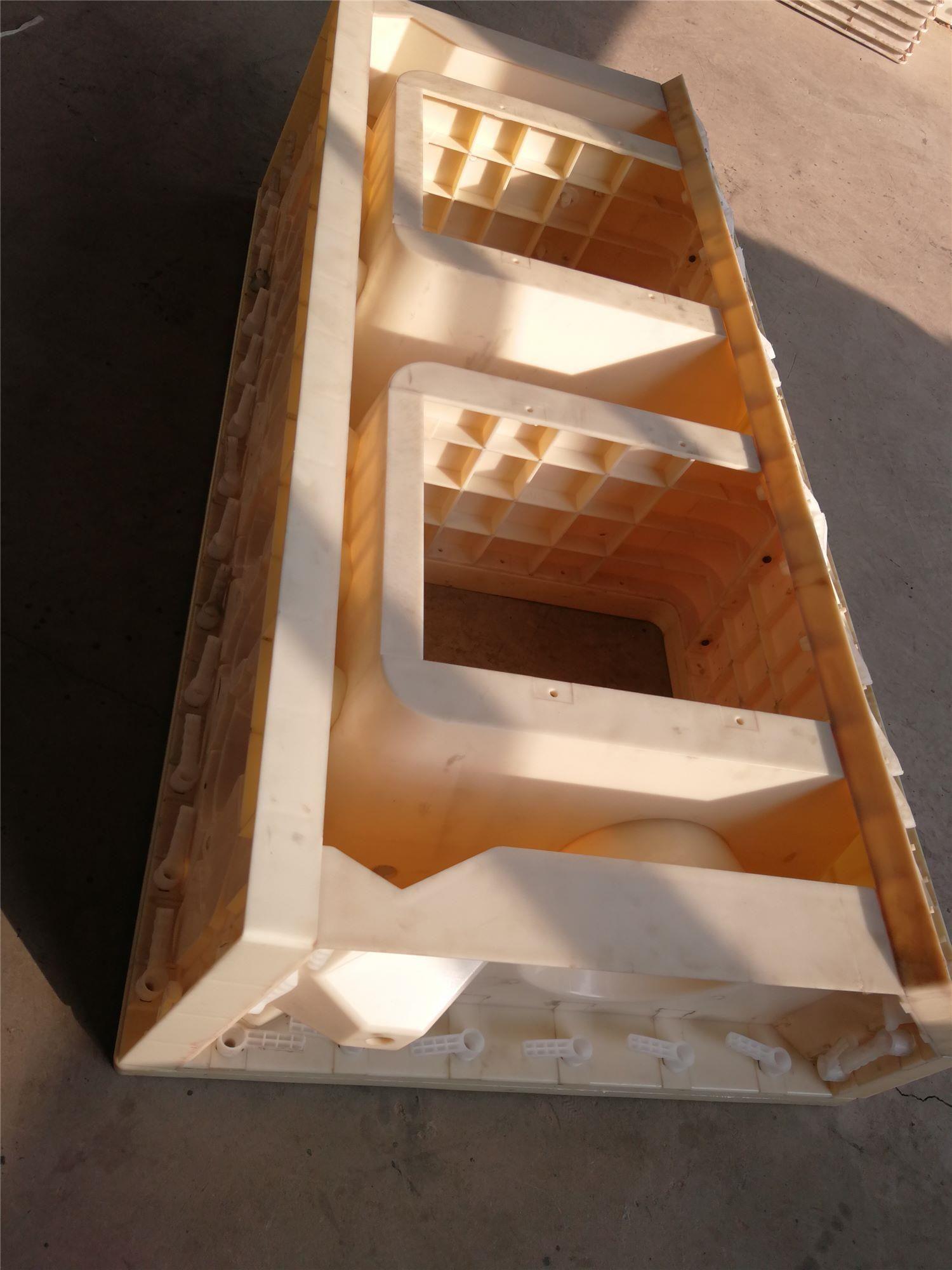 仿石阶梯护岸模具-混凝土阶梯护岸模具精达模具