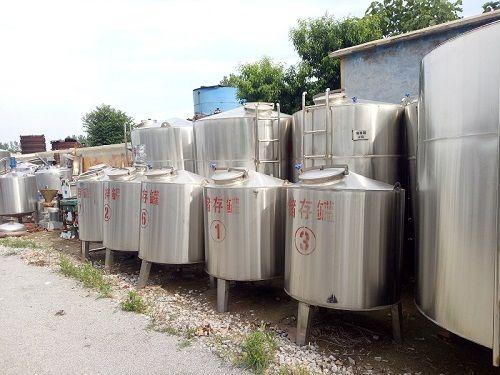 定制各种立式牛奶饮料储罐 卧式储罐