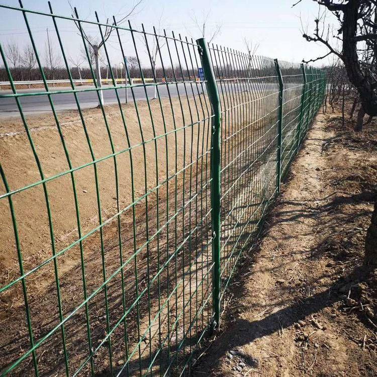 双边丝护栏养殖护栏网 圈地园林防护网