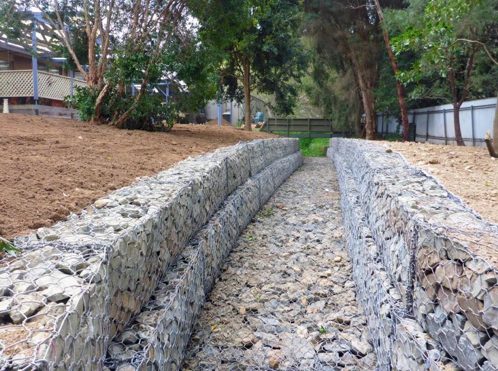 防汛铅丝笼厂家供应 格宾石笼网 宾格笼 石笼格宾网材料