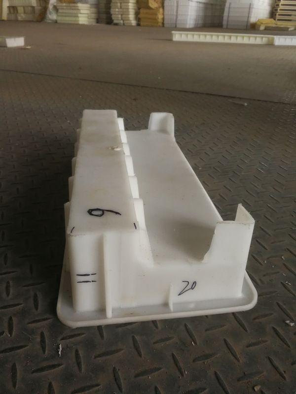 挡渣块塑料模具-挡渣块是什么