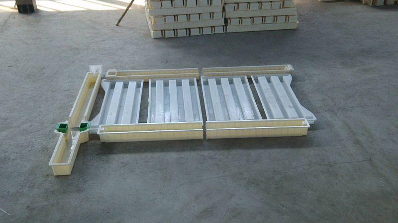高速公路钢板网护栏-防护铁栅栏图片及价格