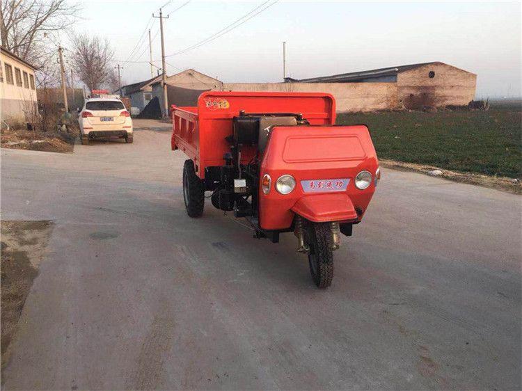 山东28马力柴油农用三轮车 三开门载重2吨 工地翻斗三轮车价格