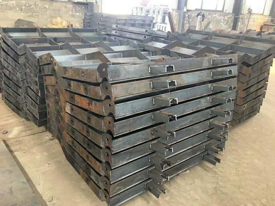 泉州水泥防撞墙钢模具定做-防撞墙钢模具规格厂家