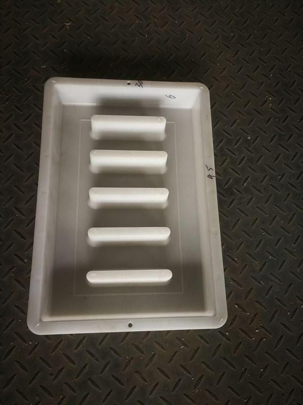 苏州塑料井盖模具-水泥井盖模具图片